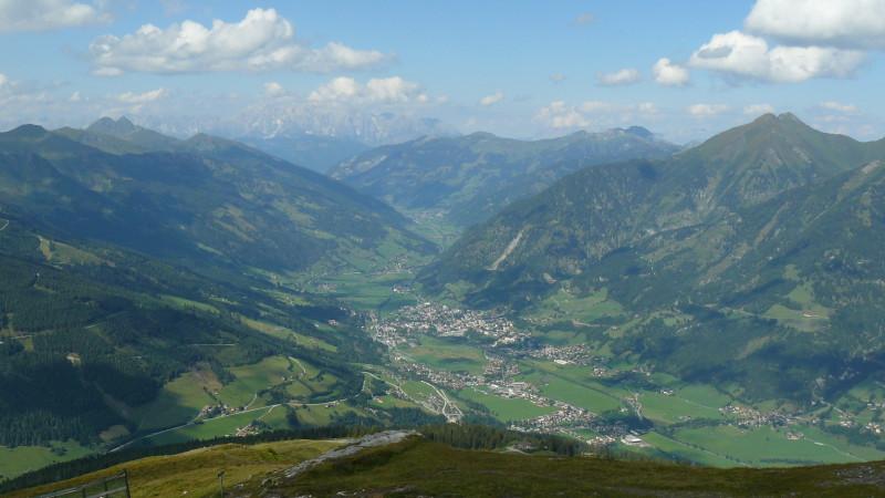 Ubytování v rakouských Alpách. Zimní sezóna nabízí lyžování, běžkování a termální lázně.