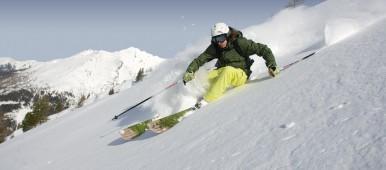 Půjčování lyží vám ušetří peníze