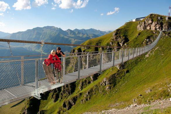 Ubytování v rakouských Alpách. Letní sezóna nabízí turistiku, cyklistiku a termální lázně.